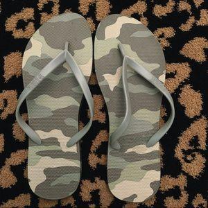 VS PINK sandals sz 7-8